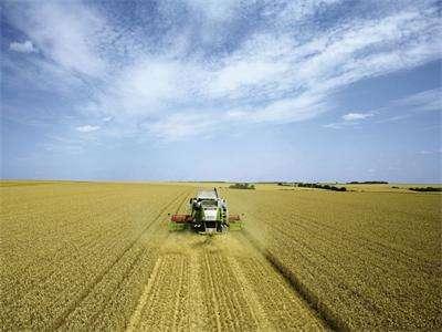 齐齐哈尔组织农机安全生产活动(图)