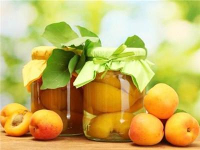 果农告诉你为什么没有苹果橙子罐头 见最多的是黄桃罐头(图)