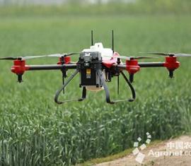 山东:无人农机在田间大显身手